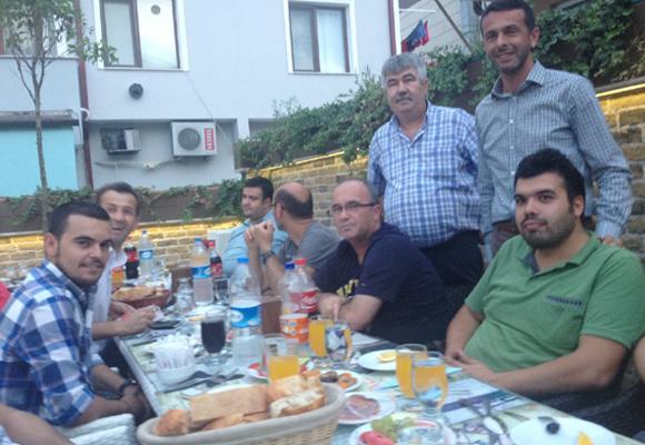 VEDAT YAŞLICA'DAN BASINA İFTAR