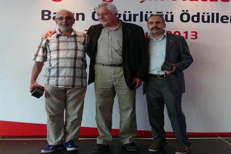 YAZARIMIZ HÜDAVENDİGAR ONUR'A TGC'DEN PLAKET