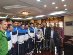 Şampiyona öncesi son ziyaret Başkan Uslu'ya