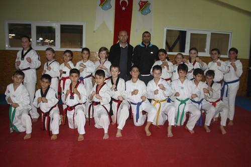 Minik Taekwondocular boş durmuyor