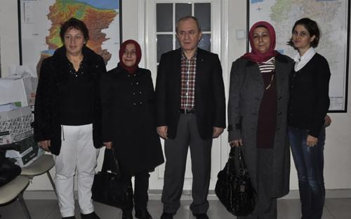 MHP'li bayanlardan başsağlığı ziyareti