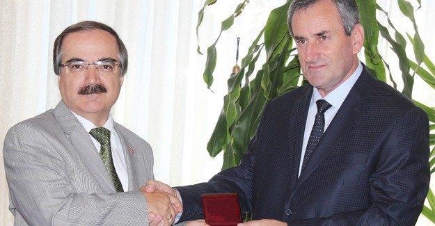 Abhazya Cumhuriyeti Bakanı Adgur Vali Coş'u ziyaret etti