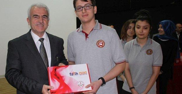 FATİH Projesi'nde 14 bin 99 öğrenciye tablet dağıtıldı