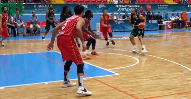 Büyükşehir Basket Final'i rahat geçti