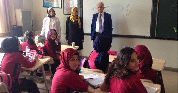 Kuntoğlu'ndan okul ziyaretleri