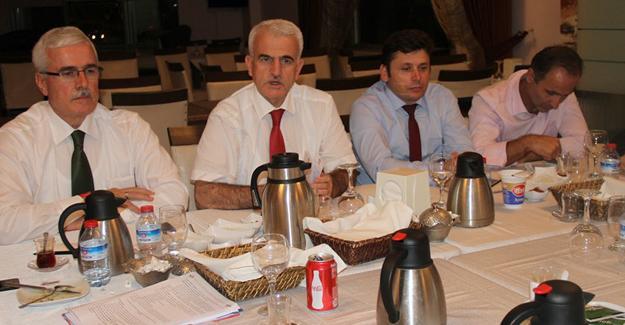 İlçe müdürleriyle değerlendirme toplantısı yapıldı