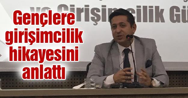 SAÜ öğrencileri SakaryaGİAD Başkanı Gökhan Korkmaz'ı ağırladı