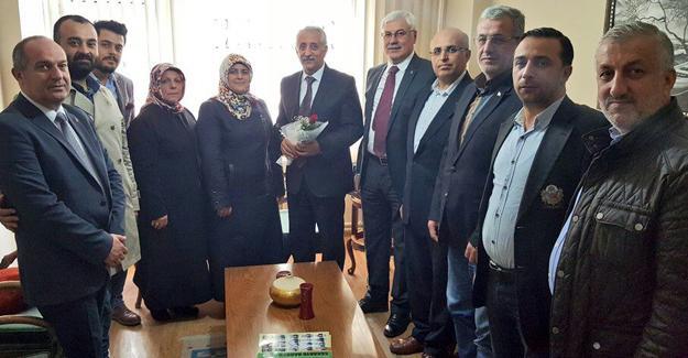 Ak Parti Adapazarı'ndan Öğretmenler Günü ziyaretleri
