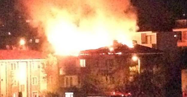 Çatı yangını büyümeden söndürüldü