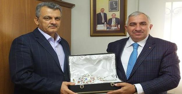 Osman Babadağı'ndan Muhtar Özçelik'e veda ziyareti