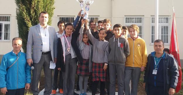 Sait Faik Abasıyanık Ortaokulu hedefe koşuyor