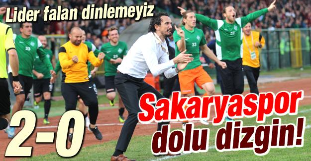 Sakaryaspor lideri devirdi 2-0