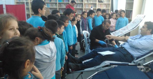 Şehit Mustafa Özen'de kan bağışı kampanyası