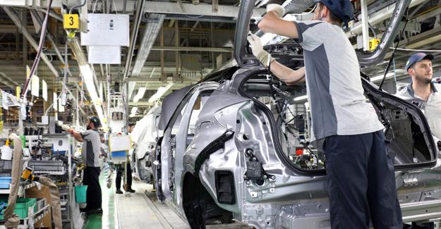 Türkiye'nin ilk hibrit otomobilinde seri üretim başladı