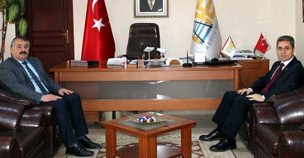 Kaymakam Yazıcı'dan Başkan Karakullukçu'ya ziyaret