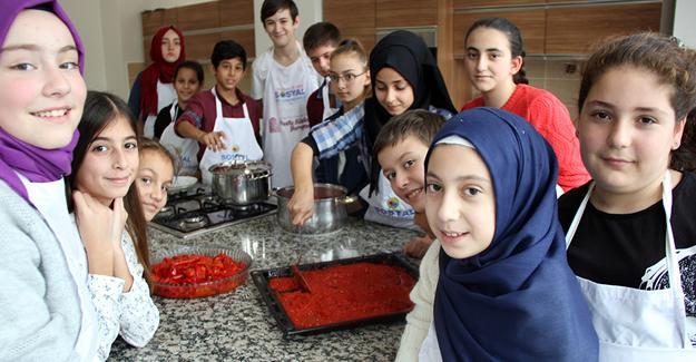 Minik aşçılar doğal beslenmeye dikkat çekiyor