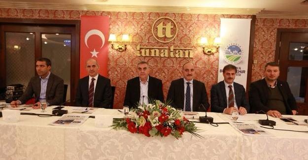 Toçoğlu AK Parti Serdivan İlçe Teşkilatı değerlendirme toplantısına katıldı