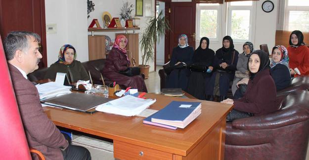 Ak Parti Kadın Kolları'ndan Karakullukçu'ya ziyaret