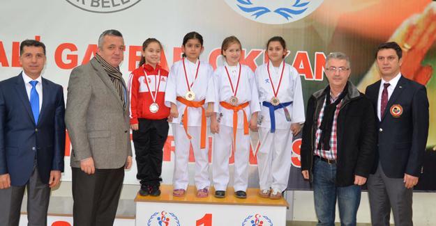 Gaffar Okkan Karate Turnuvası yapıldı