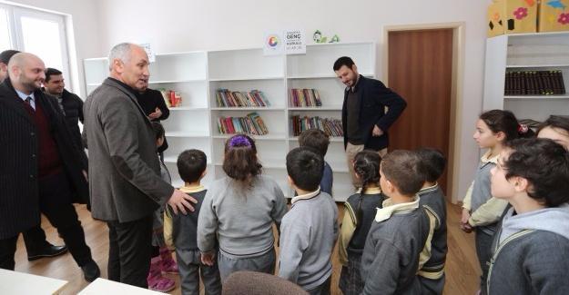 Sakarya GGK'dan kitaplık ve kitap bağışı