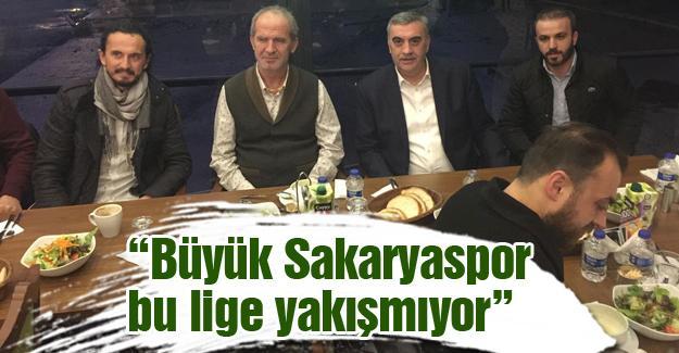 Toçoğlu Düzyurt maçı öncesi Sakaryaspor'la buluştu