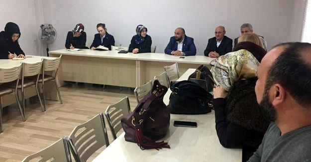 Eğitim-Bir-Sen, AK Parti Kadın Kollarını ağırladı