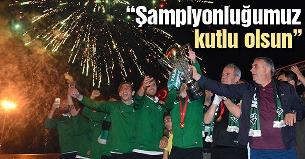 Başkan Toçoğlu futbolcuları kutladı