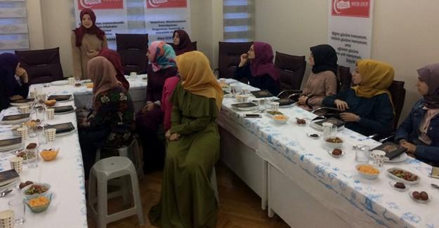 MEB-DER'den uluslararası iftar