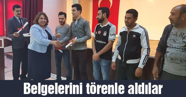 Akyazı'daki Suriyeliler Türkçe öğrendi