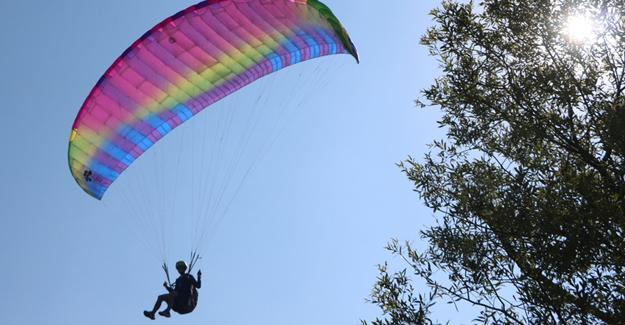 Yamaç paraşütü heyecanı sona erdi