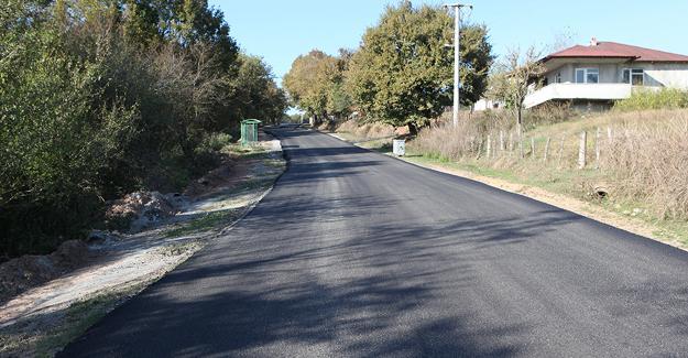 Hendek'te 2 mahalleye daha sıcak asfalt