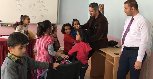 Suriyeli çocuklar Türkçe öğrenmeye devam ediyor