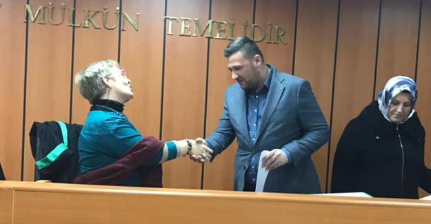 AK Parti Serdivan'ın yeni yönetimi mazbatasını aldı