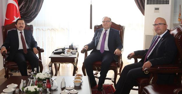 Afyonkarahisar'dan Vali Balkanlıoğlu'na ziyaret