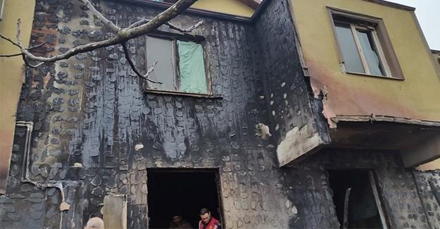 Çıkan yangın evi küle çeviriyordu