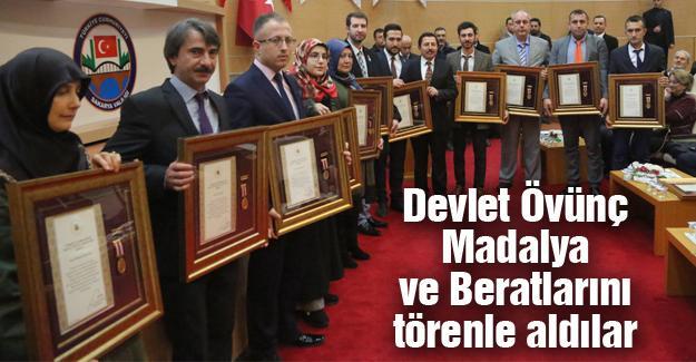 Devlet Övünç Madalya ve Beratlarını törenle aldılar