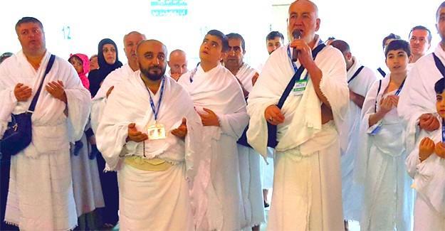 Eğitim-Bir-Sen Kabe'de Mehmetçik için dua etti