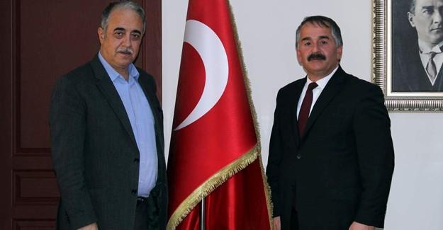 Şentürk'ten Başkan Karakullukçu'ya ziyaret