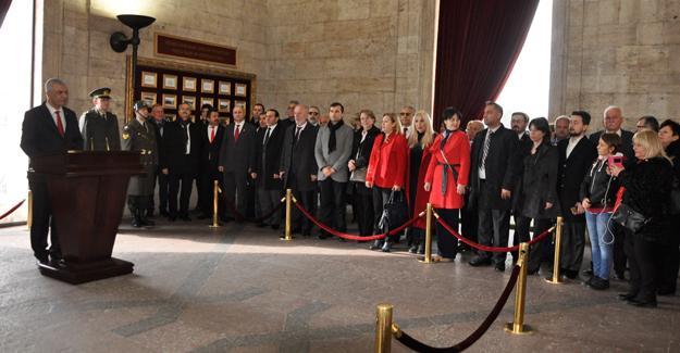 CHP'den Anıtkabir ziyareti