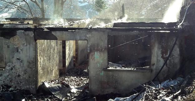İki katlı ev kül oldu