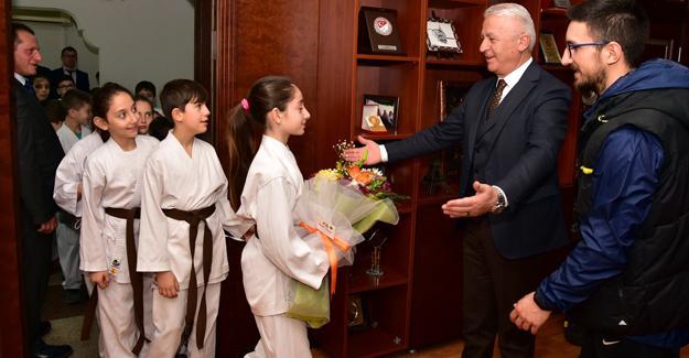 Karasu'da karateye yoğun ilgi