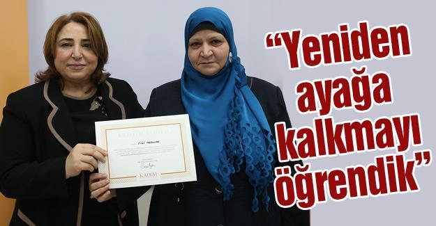 Suriyeli sığınmacı kadınlar sertifikalarını aldı