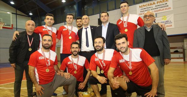 Voleybol turnuvasında Halk Özel Harekâtı birinci oldu