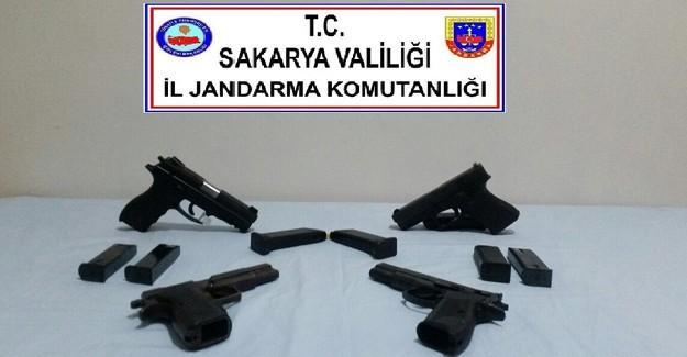 Yabancı marka 4 adet silah ele geçirildi