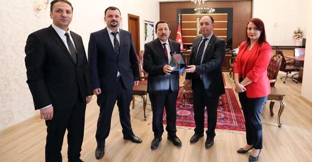 Aile Hekimleri Derneği'nden Vali Balkanlıoğlu'na ziyaret