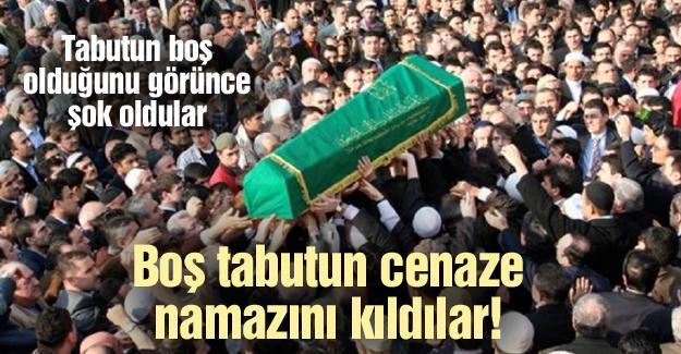 Boş tabutun cenaze namazını kıldılar