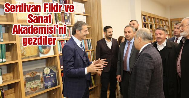 Düzce Valisi ve Belediye Başkanı Serdivan'da