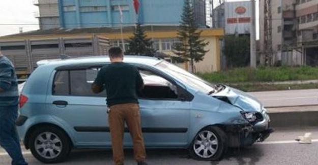 Otomobil ile motosiklet çarpıştı: 4 yaralı