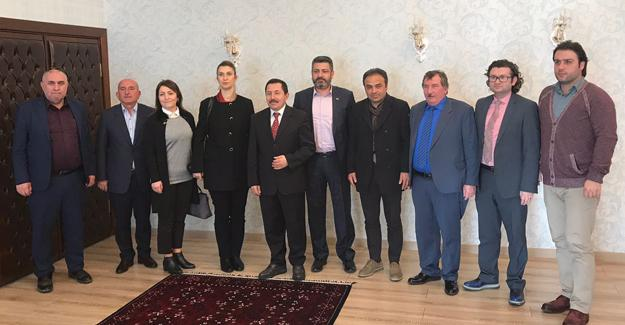 Trabzonlular Derneğinden Vali Balkanlıoğlu'na ziyaret