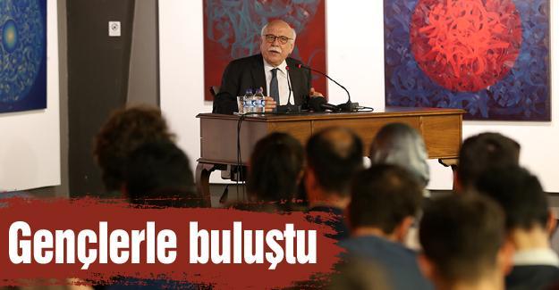 Prof. Dr. Nabi Avcı'dan konferans